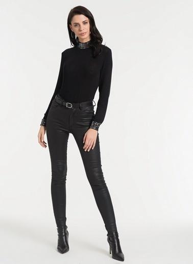 Styletag Parlak Garnili Bluz Siyah